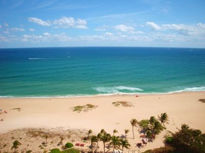 The warm Atlantic breezes, sand and surf beckon. Call us today for reservations