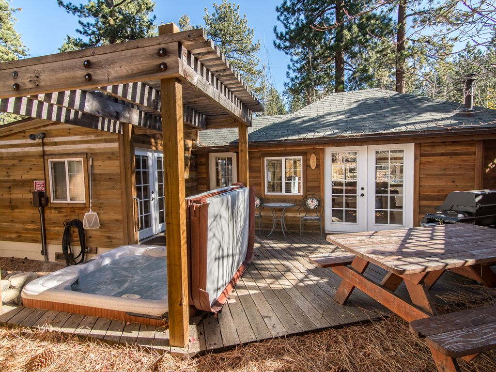 1br updated lake tahoe house with hot tub vrbo for South lake tahoe cabins near casinos