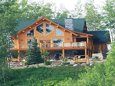 Beautiful log home overlooking the Bulkley river and Hudson Bay glacier.