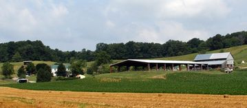 Shenandoah farmhouse rental - Farm view from Lotts Road