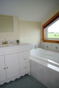 Ensuite - Upper Level