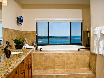 Grand Master bathroom right on the beach. Double sinks, walk in shower, tub.