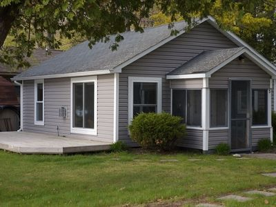 Honor cottage rental - Exterior of the Big Platte Lake Beach Cottage