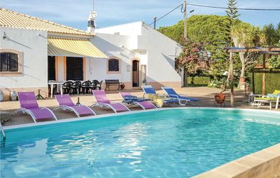 5 bedroom accommodation in Junqueira