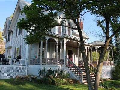 Lovely Victorian home in Historic Downtown Saluda