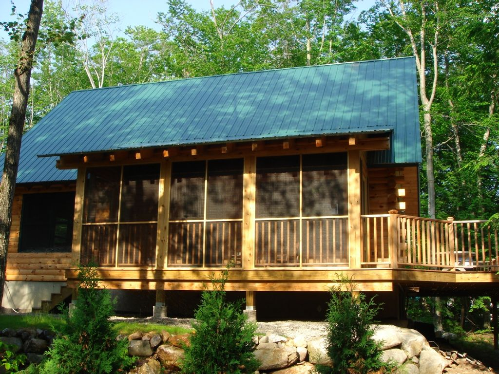 Serene luxury log home getaway homeaway madison for Log cabin screened in porch