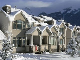 Copper Mountain townhome photo - Ski in/out unit (red bow). Ski to SuperBee Lift!