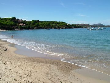 The other end of Cala Girgolou beach
