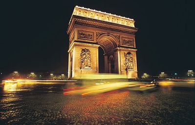 Famous Paris landmarks look beautiful at night.
