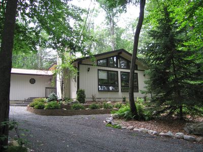 Poconos Pines / Lake Naomi house rental - lovely woodland setting