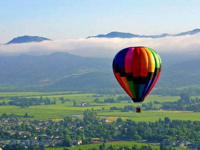 Hot air balloon rides over Sonoma County