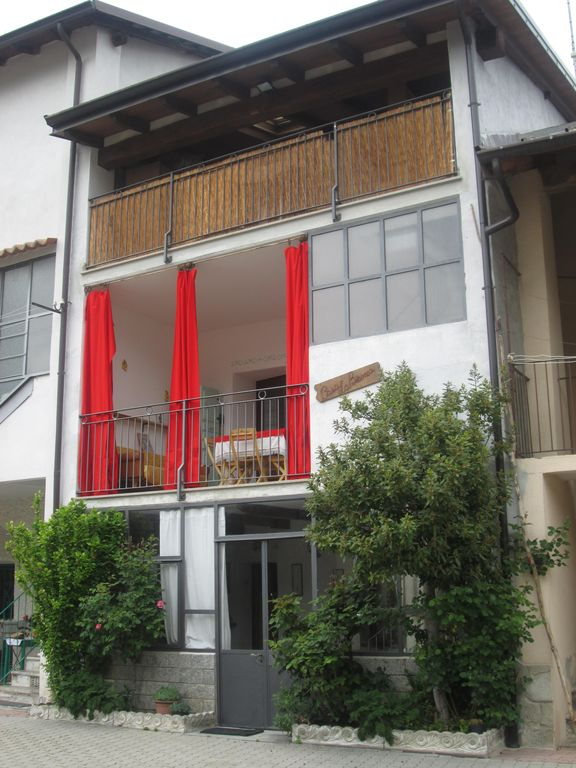 Pretty, bright mountain house, 80 square meters, a few steps from the woods, equipped