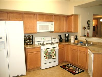 Full equipped kitchen with breakfast bar / Separate dining room area.