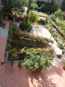 Apartment 130 sqm with a large flower-filled courtyard in the heart of medieval Orvieto