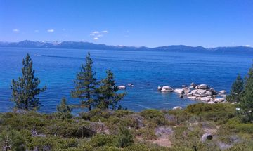 Lake Tahoe is just 10 minutes away.