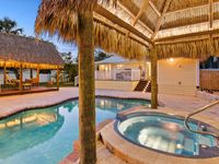 Key West Charm! Less the 200 feet to sister property 401312.