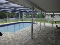 LARGE HOUSE, LAKE FRONT, HEATED POOL (extr chrg), MINUTES TO THE BEACH AND PARk