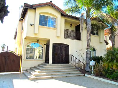 MIRACLE MILE Spanish Town Home (7 MINUTES to Hollywood!)
