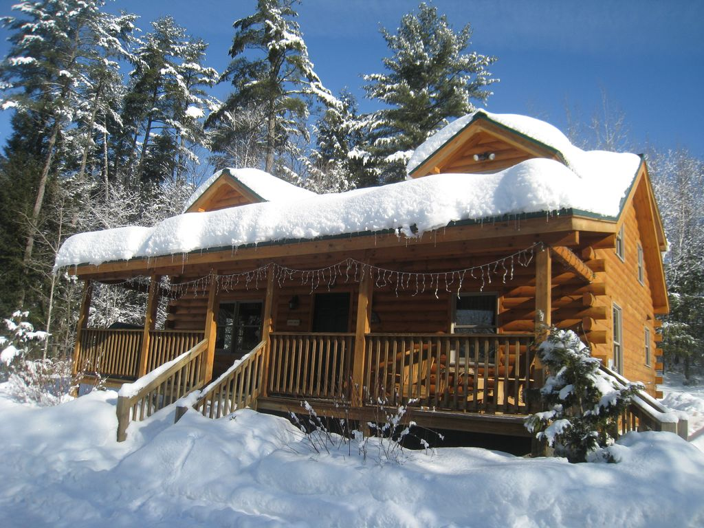 Cozy log cabin in the white mountains on the vrbo for Ski cabins in new hampshire