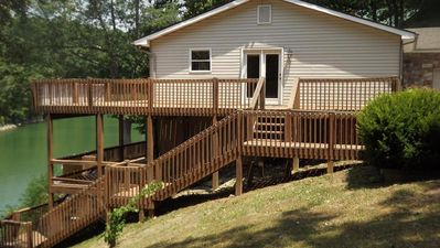 Lakefront Home with Dock Booking 2018 Season!