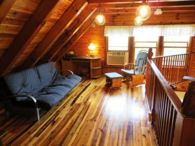 Mountain Lodge Realty Moonshine Ridge Loft with Full Sized Futon that sleeps 2