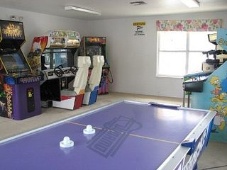 Lindfields condo photo - GAMES ROOM