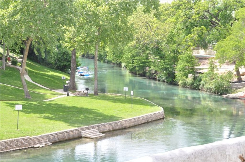 Vacation On The Comal River Vrbo