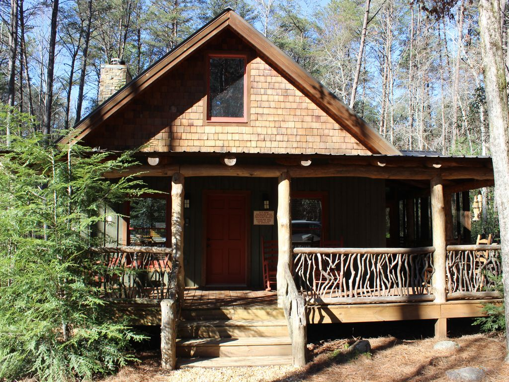 Rustic Luxury Cabin Only 4 6 Miles From Helen Vrbo
