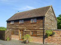 THE HAY BARN, family friendly in North Piddle, Ref 4062