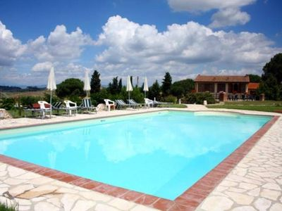 Apartment with pool in the Chianti hills between Florence, Pisa and Siena