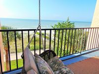 New Tastefully Remodeled Direct Gulf Front 1BR/BA Paradise - Very Clean