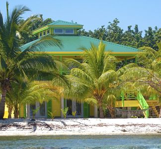 the pineapple house on treasure beach