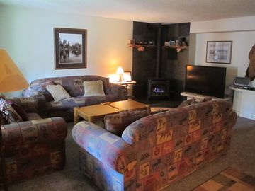 Heavenly Valley condo rental - Family room from entry door.