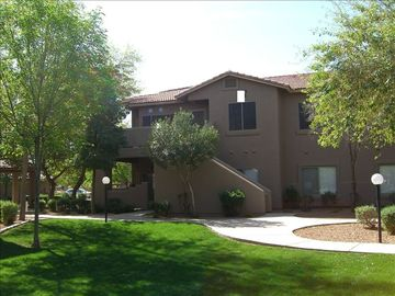 Chandler condo rental - Second story end unit..quiet, great courtyard view