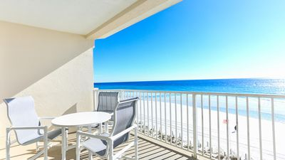 Beautiful Condo, Directly on the Beach, Awesome View!