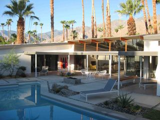 Palm Springs house photo - Backyard and pool