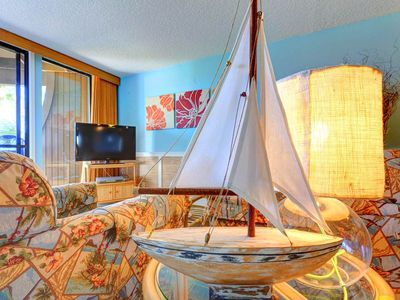 You'll love staying with us! - Hibiscus 203-B provides all the conveniences you need to make your Florida vacation easy! Free WiFi, a fully-equipped kitchen, all linens and towels, a washer and dryer, and free parking.
