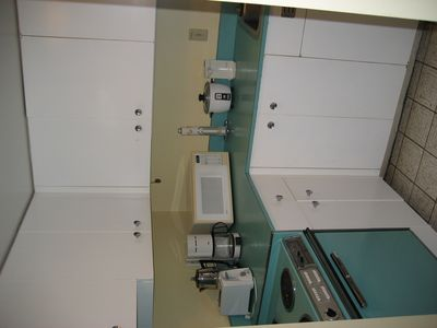 Waikiki condo rental - Our retro kitchen!