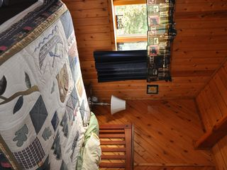 2nd bedroom with queen bed - Pittsburg house vacation rental photo