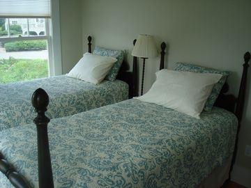 The Twin Bed Room - new mattresses for 2013