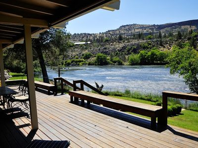 Relax along the majestic Lower Deschutes river.