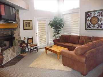 Old Town house rental - LIVING ROOM