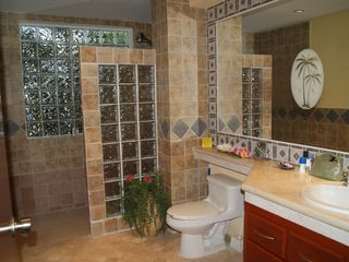 Cozumel condo photo - Master bath