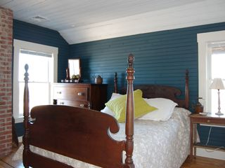 Gloucester - Annisquam house photo - Pineapple Room-double bed with views of Davis Neck. Cozy!