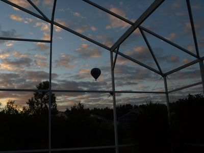 Early morning, Balloon rides passing by