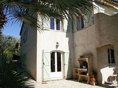 Holiday home near the fashionable Cannes with small grass garden and private patio