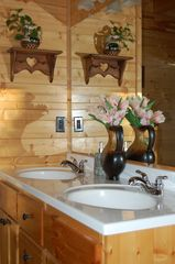 Jamestown cabin photo - Double vanity and separate ceramic tiled shower in each bathroom
