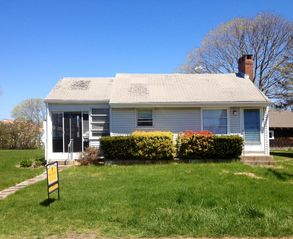 Old Saybrook bungalow photo