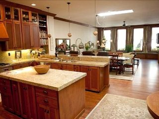 McMinnville apartment photo - Kitchen opens to dining and great room. Beautiful entertaining space!
