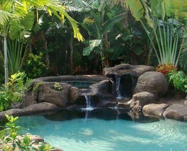 Salt water Hot Tub in a very beautifully landscaped yard